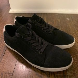 Kenneth Cole Navy Suede Low Top Sneakers